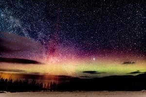 aurora-2491595_640