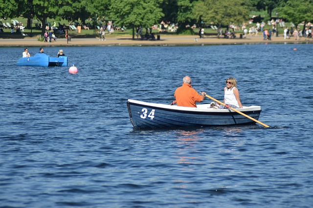 boat-2352748_640