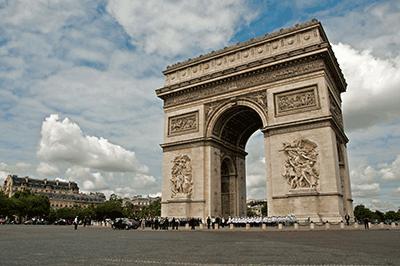 フランス留学の費用がすぐにわか...
